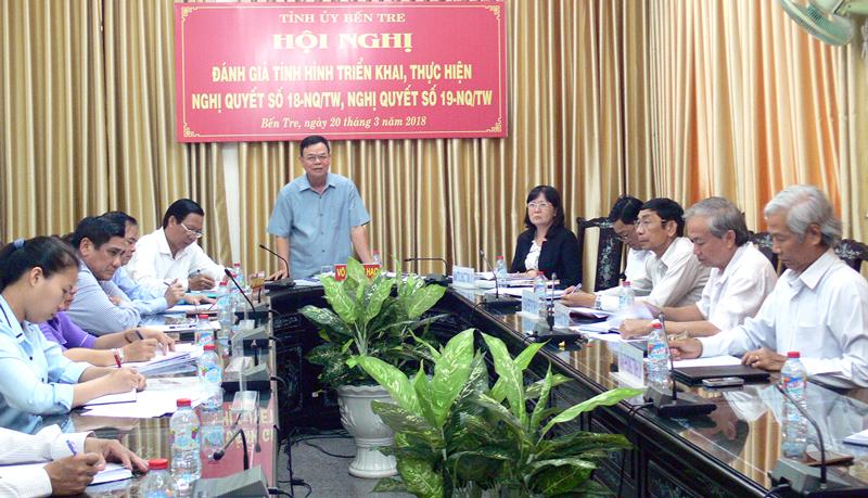 Bí thư Tỉnh ủy Võ Thành Hạo phát biểu tại điểm cầu Bến Tre. Ảnh: H. Hiệp