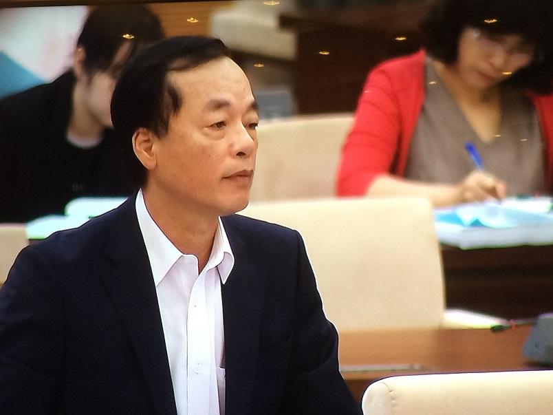 Bộ trưởng Bộ Xây dựng Phạm Hồng Hà phát biểu tại phiên họp (Ảnh: KT)