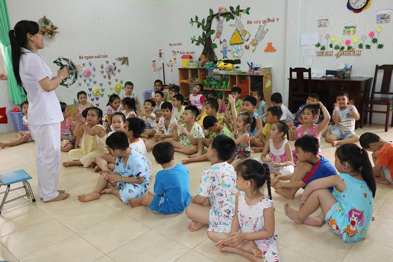 Hoạt động hè tập trung tổ chức củng cố rèn luyện kỷ năng để trẻ vào nền nếp. Ảnh: Phan Hân