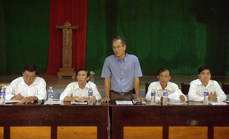 Phó chủ tịch UBND huyện Nguyễn Minh Đức phát biểu chỉ đạo tạo buổi làm việc. Ảnh: Cao Khiết
