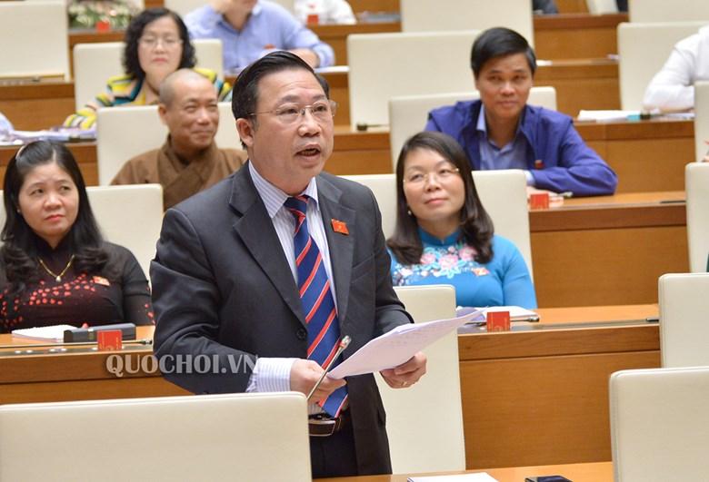 Đại biểu Lưu Bình Nhưỡng góp ý thảo luận về báo cáo công tác giải quyết khiếu nại, tố cáo năm 2018. Ảnh: quochoi.vn