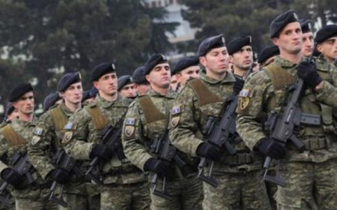 Quân đội Kosovo được cho là gồm có 5.000 binh sĩ tại ngũ và 3.000 lính dự bị. Ảnh: Reuters