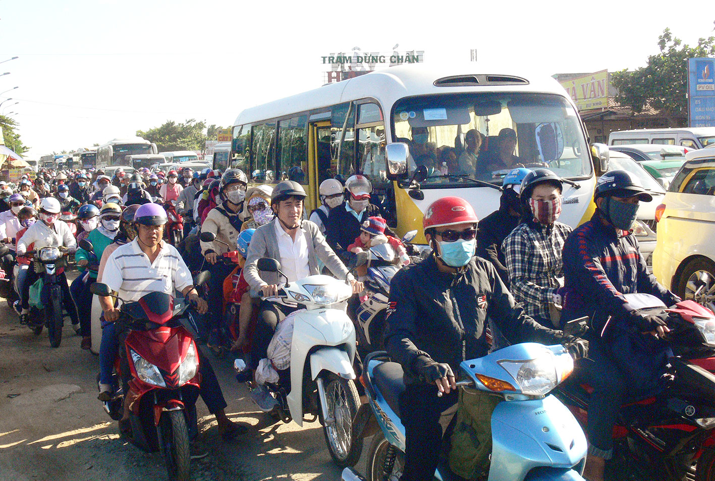 Quyết tâm chống ùn tắc giao thông, đảm bảo trật tự an toàn giao thông trong dịp Tết.