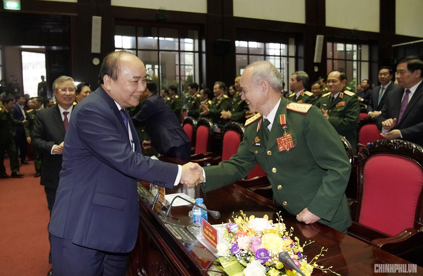 Thủ tướng cùng các đại biểu dự buổi lễ. Ảnh: VGP/Quang Hiếu