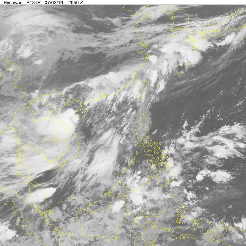 Dự báo ngày 3-7 về đường đi của bão số 2 sáng nay cách đất liền các tỉnh Quảng Ninh - Hải Phòng 400 km và dự kiến đổ bộ ven biển khu vực Đông Bắc trong 24-36 giờ tới