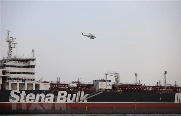 Tàu chở dầu Stena Impero treo cờ Anh ở gần Eo biển Hormuz, Iran ngày 21-7-2019. Ảnh: THX/TTXVN
