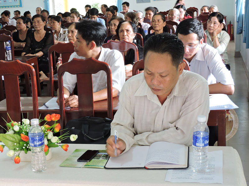 Sơn Phú tổ chức tọa đàm bàn giải pháp xây dựng nông thôn mới, nhất là những tiêu chí chưa đạt.