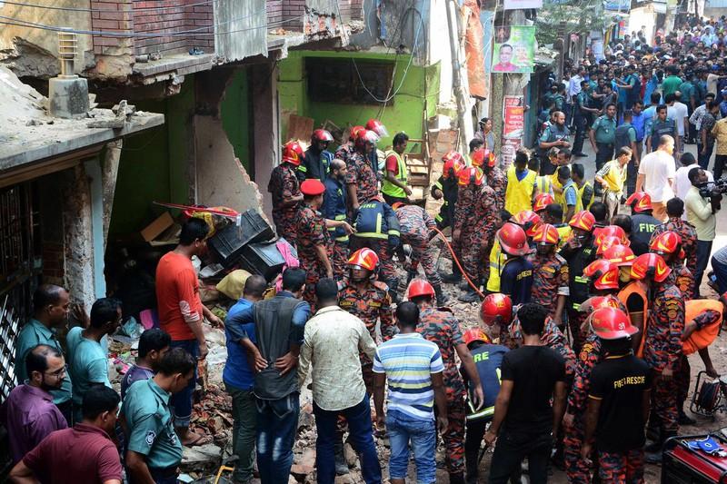 Ngày 17-11-2019, ít nhất 7 người thiệt mạng và 8 người khác bị thương trong vụ nổ đường ống dẫn khí đốt tại Chittagong, Bangladesh. Ảnh: Reuters