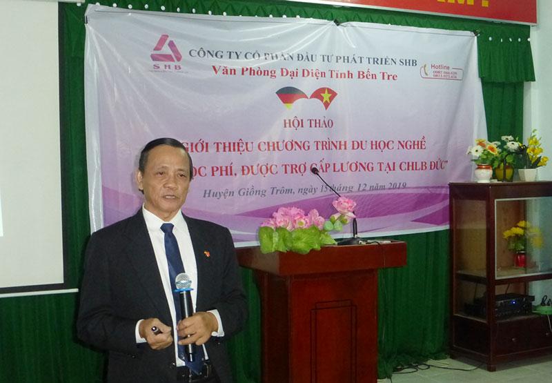 Ông Đặng Minh Thương - Phó tổng giám đốc Công ty Cổ phần đầu tư phát triển SHB trao đổi cung cấp thông tin cho các đại biểu.