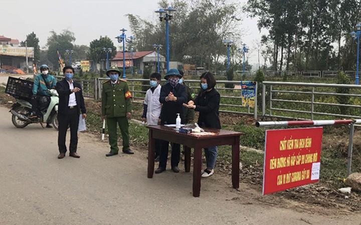 Hình ảnh chốt kiểm soát dịch bệnh trên địa bàn xã Sơn Lôi thời gian vừa qua. Ảnh: NT
