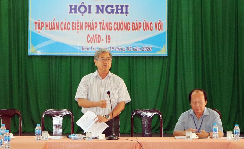 Phó chủ tịch UBND tỉnh Nguyễn Văn Đức chủ trì hội nghị.