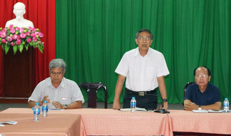 Chủ tịch UBND tỉnh Cao Văn Trọng phát biểu chỉ đạo tại cuộc họp