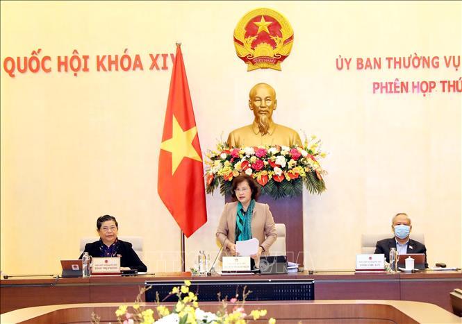 Chủ tịch Quốc hội Nguyễn Thị Kim Ngân phát biểu khai mạc Phiên họp thứ 43 của Ủy ban Thường vụ Quốc hội. Ảnh: Trọng Đức/TTXVN