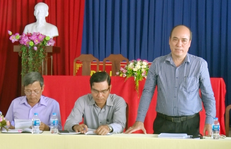 Bí thư Thành ủy Bến Tre Nguyễn Văn Tuấn phát biểu kết luận cuộc làm việc.