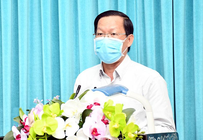 Bí thư Tỉnh ủy Phan Văn Mãi phát biểu khai mạc hội nghị.