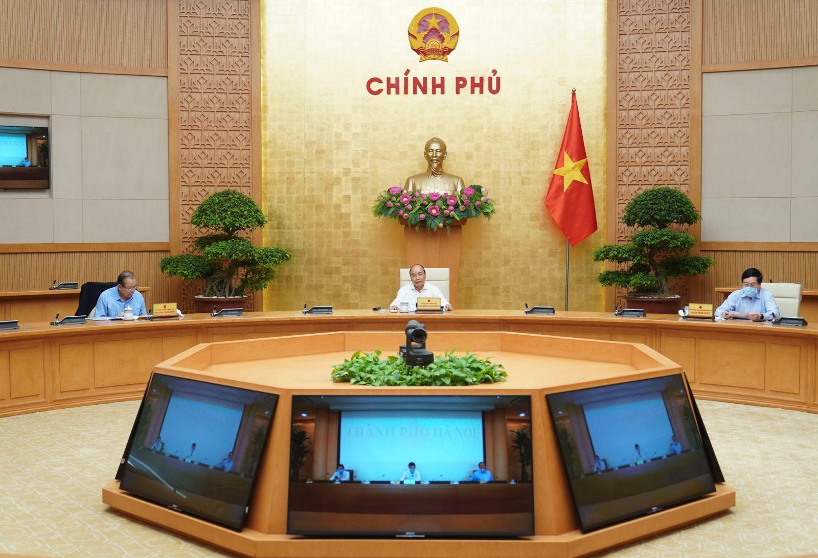 Thủ tướng Nguyễn Xuân Phúc chủ trì phiên họp. Ảnh: VGP/Quang Hiếu