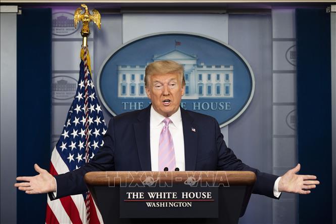 Tổng thống Mỹ Donald Trump phát biểu tại cuộc họp báo ở Washington, DC. Ảnh: AFP/TTXVN