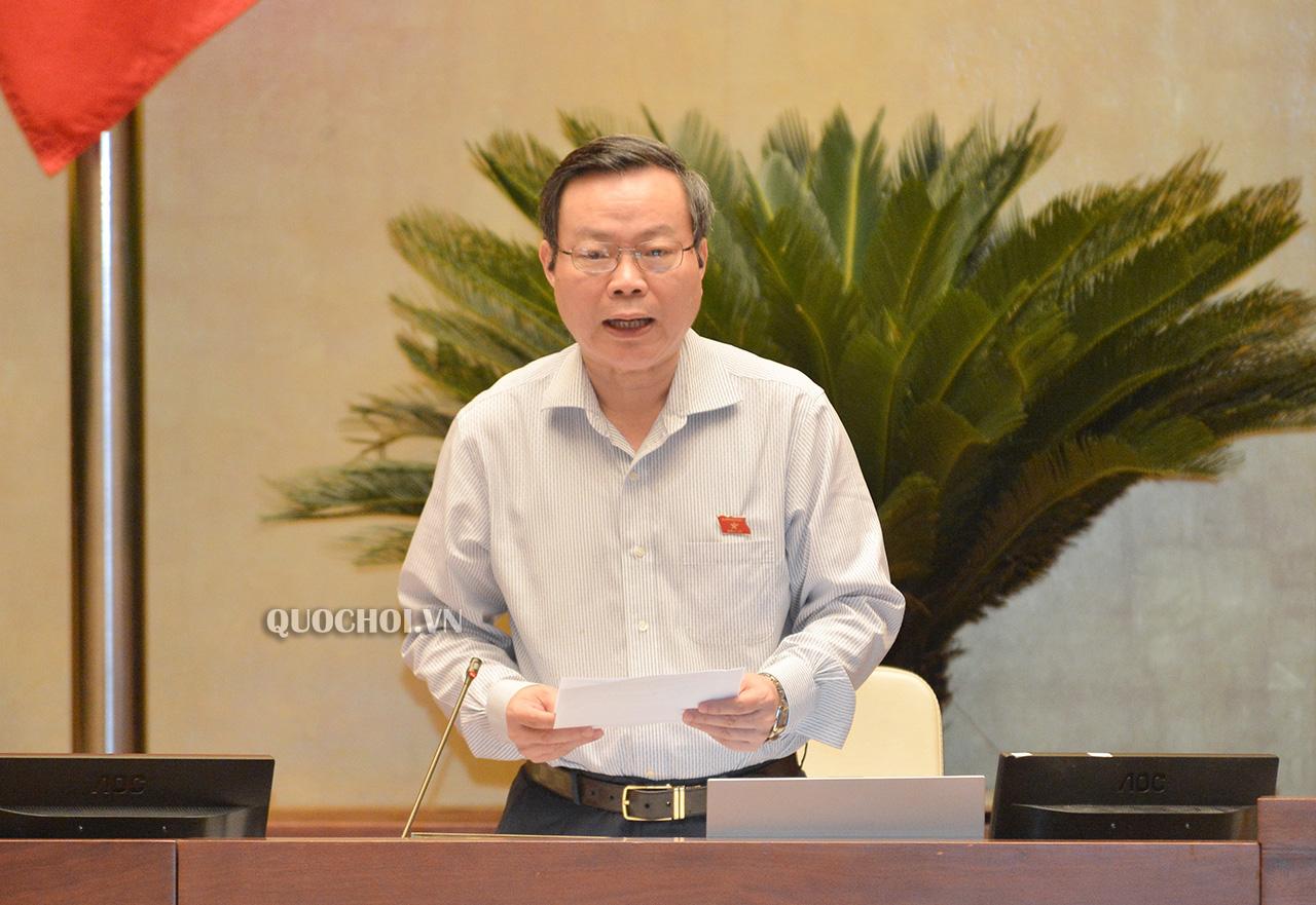 Phó chủ tịch Quốc hội Phùng Quốc Hiển phát biểu.