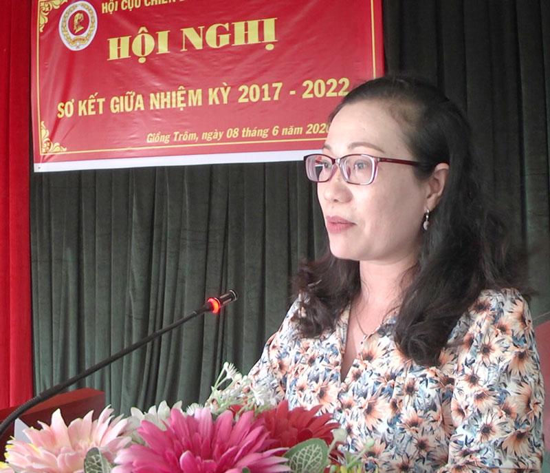 Bí thư Huyện ủy Giồng Trôm Nguyễn Trúc Hạnh phát biểu chỉ đạo hội nghị