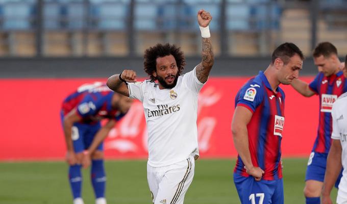 Marcelo ghi bàn thắng thứ 3 cho Real trong hiệp 1