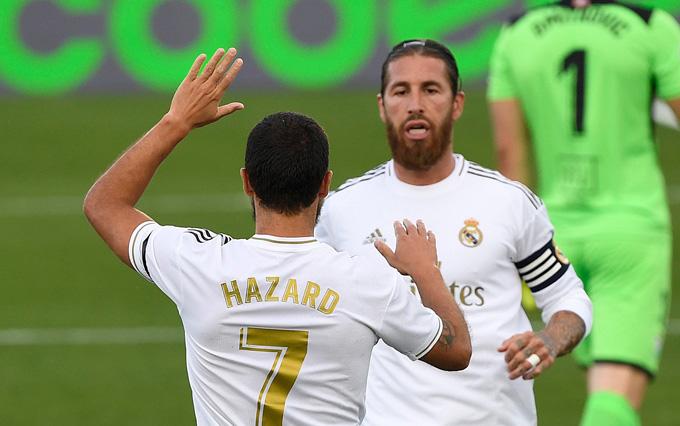 Ramos nhân đôi cách biệt nhờ một Hazard chơi rất đồng đội