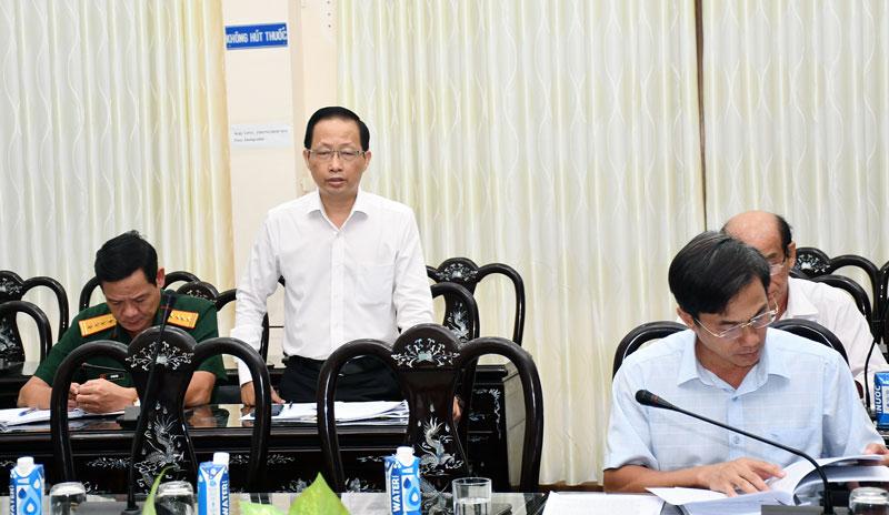 Phó chủ tịch UBND tỉnh Nguyễn Trúc Sơn phát biểu thảo luận tổ. Ảnh: Hữu Hiệp