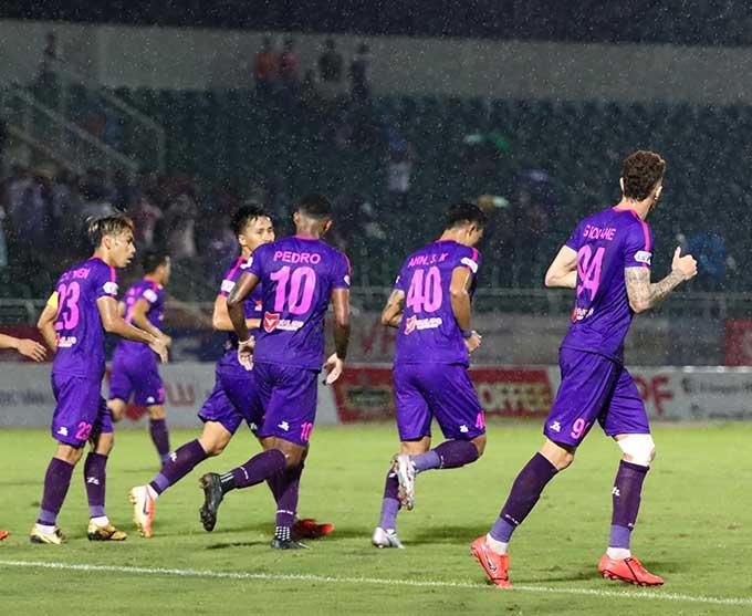 Sài Gòn FC vượt lên dẫn trước