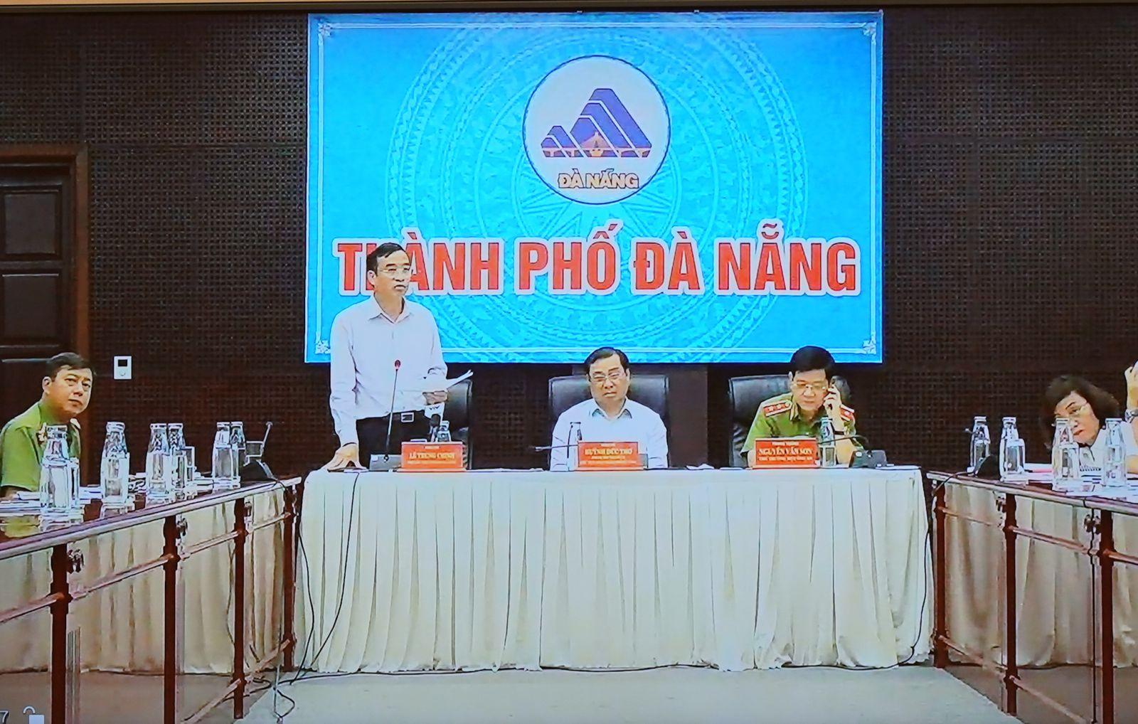 Lãnh đạo Thành phố Đà Nẵng báo cáo trực tuyến tại cuộc họp. - Ảnh: VGP/Quang Hiếu