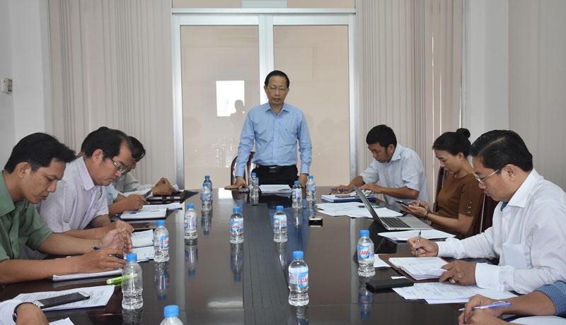 Phó chủ tịch UBND tỉnh Nguyễn Trúc Sơn làm việc với Ban quản lý dự án phát triển hạ tầng các KCN.