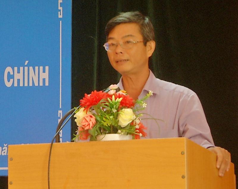 Chủ tịch UBND huyện Đào Công Thương phát biểu tại hội nghị.