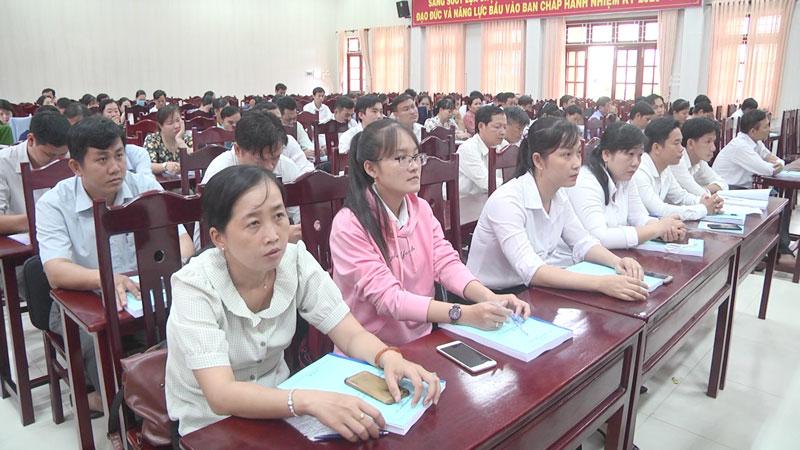 Học viên là cán bộ, công chức cấp xã tham gia khóa học. Ảnh: Kim Phụng
