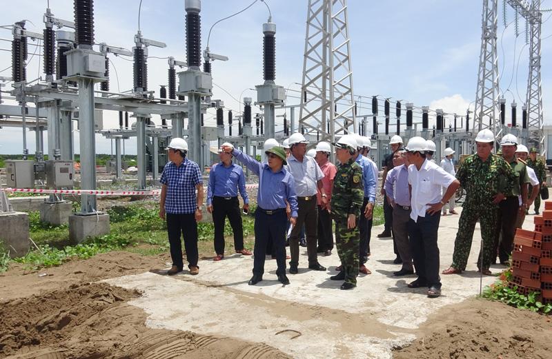 Đoàn đã đến khảo sát công trình cụm Nhà máy điện gió số 5.