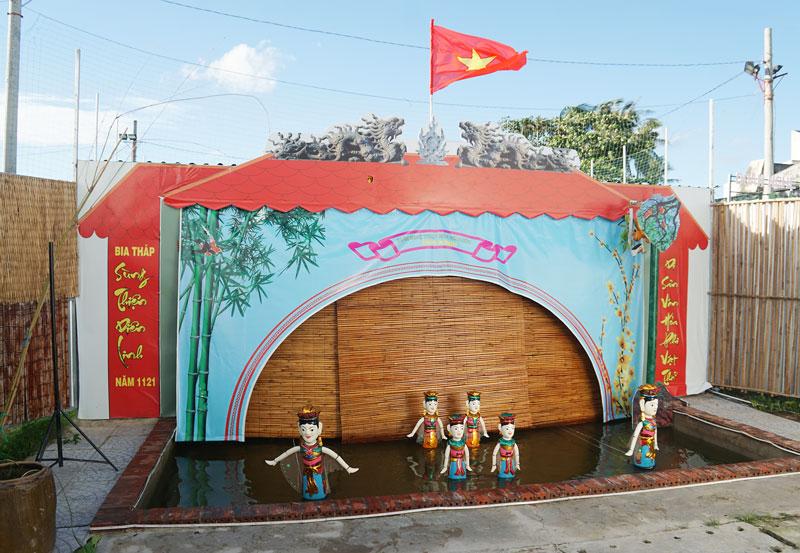 Một tiểu phẩm múa rối nước do Đoàn Nghệ thuật múa rối nước Dừa Xanh biểu diễn thử nghiệm.
