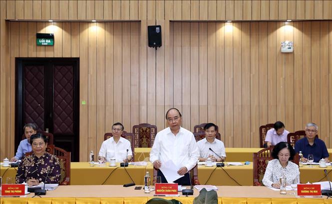 Đồng chí Nguyễn Xuân Phúc, Uỷ viên Bộ Chính trị, Thủ tướng Chính phủ phát biểu tại cuộc làm việc của Bộ Chính trị với Ban Thường vụ Tỉnh uỷ Bình Phước, sáng 18-8-2020. Ảnh: TTXVN