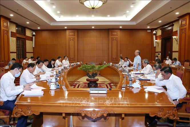 Đồng chí Trần Quốc Vượng, Ủy viên Bộ Chính trị, Thường trực Ban Bí thư phát biểu tại cuộc làm việc của Bộ Chính trị với Ban Thường vụ Tỉnh uỷ Thái Nguyên, chiều 17-8-2020. Ảnh: TTXVN