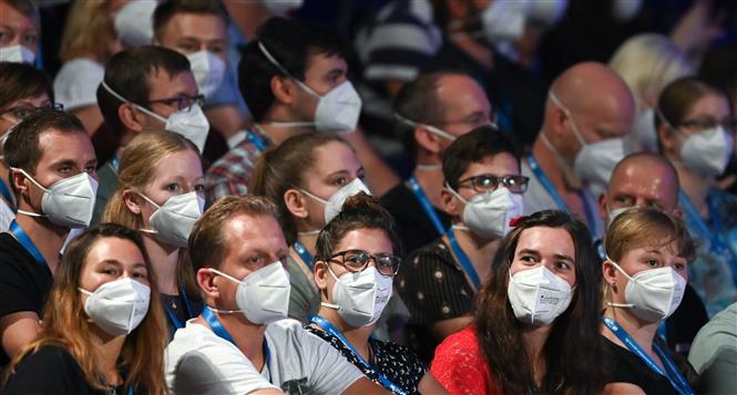 Khán giả tham dự buổi biểu diễn do đại học Halle tổ chức tại thành phố Leipzip, miền Đông nước Đức ngày 22-8-2020. Ảnh: AFP/TTXVN