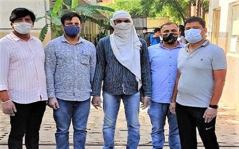 Nghi phạm IS bị bắt giữ tại Ấn Độ. Ảnh: Sanjeevni Today