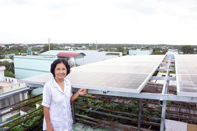 Khuyến khích đầu tư điện năng lượng mặt trời mái nhà nhằm góp phần tiết kiệm điện.