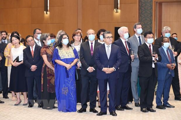 Các đại sứ, đại biện, đại diện đại sứ quán các nước, trưởng đại diện các tổ chức quốc tế tại Việt Nam dự tiệc chiêu đãi kỷ niệm 75 năm Quốc khánh nước CHXHCN Việt Nam (2-9-1945 - 2-9-2020). Ảnh: Lâm Khánh/TTXVN