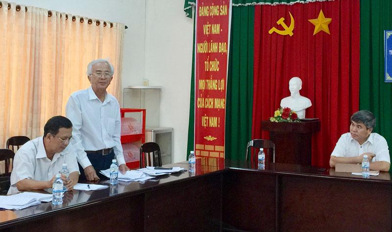 Ông Cao Văn Phong - Chánh văn phòng Ban ATGT tỉnh phát biểu.