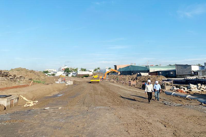 Đại biểu HĐND tỉnh giám sát Dự án chỉnh trang khu dân cư đô thị Phú Khương, TP. Bến Tre.