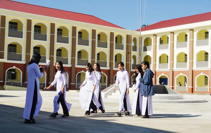 Trường THPT Võ Văn Kiệt vừa hoàn thành đưa vào sử dụng năm học đầu tiên. Ảnh: Ánh Nguyệt