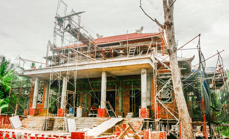Công trình Khu lưu niệm cụ Nguyễn Sinh Sắc - thân sinh Chủ tịch Hồ Chí Minh tại chùa Tuyên Linh, xã Minh Đức (Mỏ Cày Nam). Ảnh: Trần Hoàng