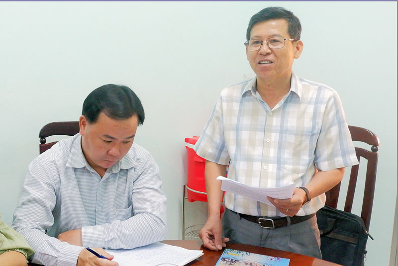 Phó bí thư thường trực Huyện ủy Phạm Văn Bé Năm phát biểu.