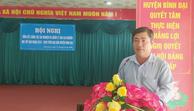 Phó chủ tịch UBND huyện Phạm Hữu Toại phát biểu chỉ đạo tại hội nghị. Ảnh: Sơn Tùng