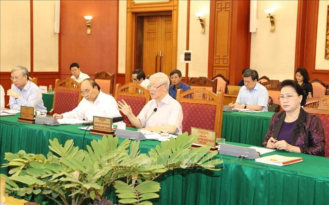 Tổng Bí thư, Chủ tịch nước Nguyễn Phú Trọng, Bí thư Quân ủy Trung ương phát biểu kết luận buổi làm việc với Ban Thường vụ Quân ủy Trung ương.
