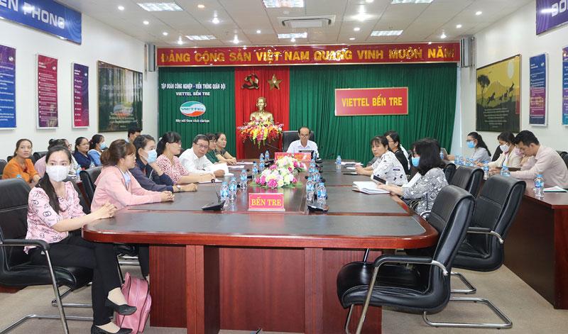 Phó giám đốc Sở Y tế Nguyễn Văn Oanh chủ trì tại điểm cầu tỉnh.