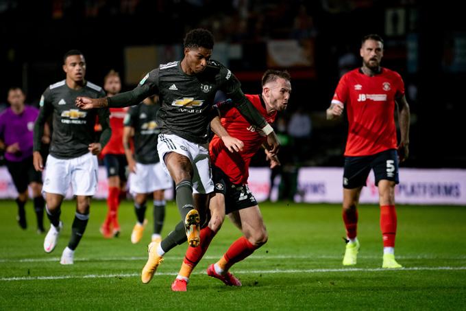 Quỷ đỏ có liên tiếp 2 bàn ở những phút cuối trận do công của Rashford