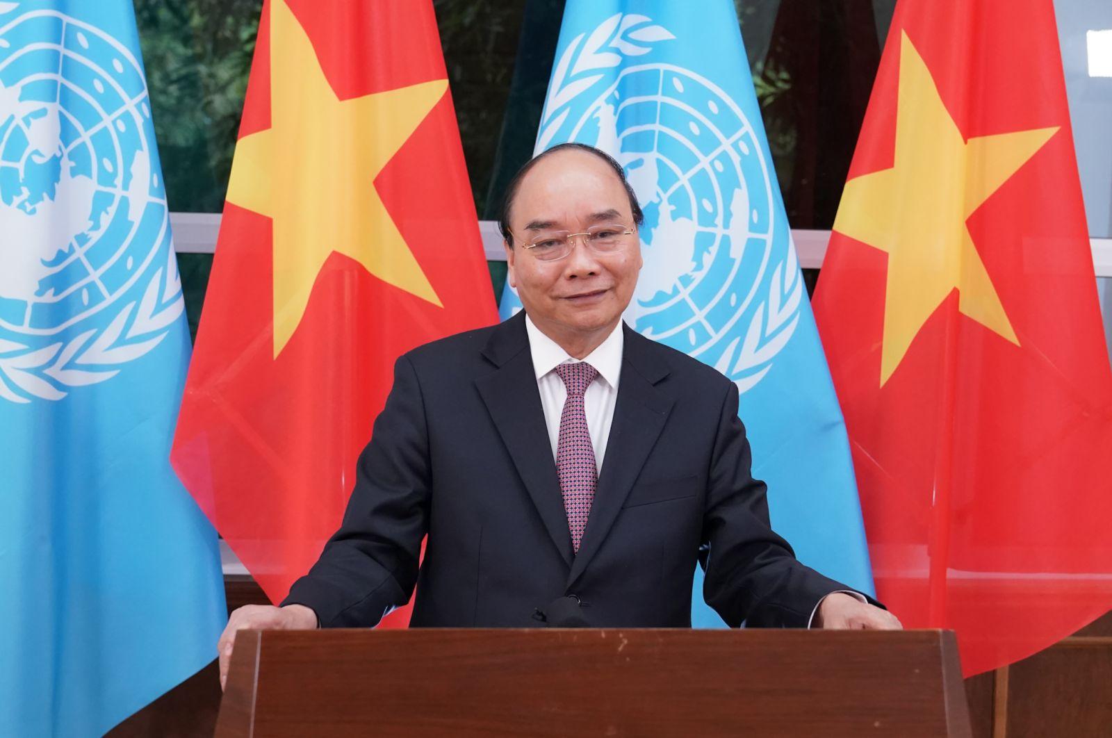 Thủ tướng Chính phủ Nguyễn Xuân Phúc: Thực tại càng cam go, thử thách, chúng ta càng cần đoàn kết, hợp tác, tăng cường chủ nghĩa đa phương với trung tâm là LHQ. Ảnh: VGP/Quang Hiếu