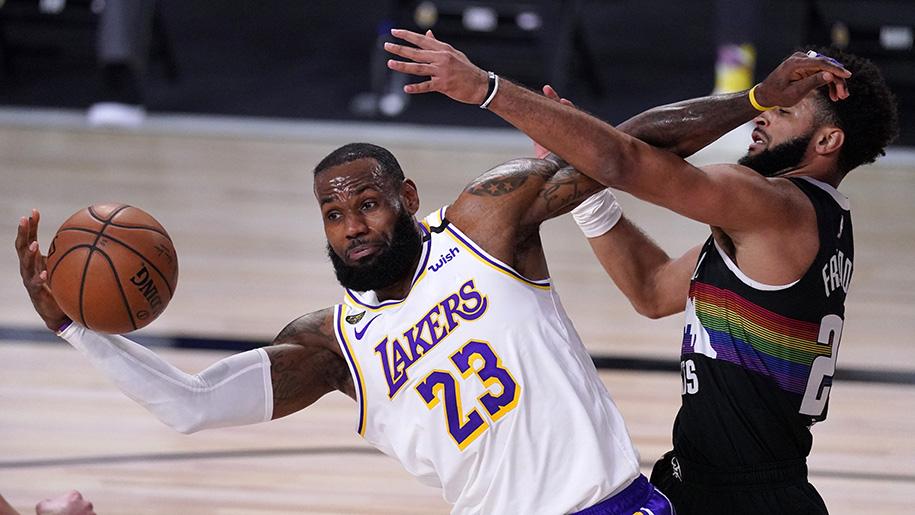 LeBron James có triple-double nhưng chừng ấy là không đủ